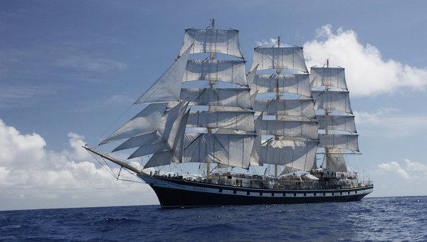 tall ship xs sailing