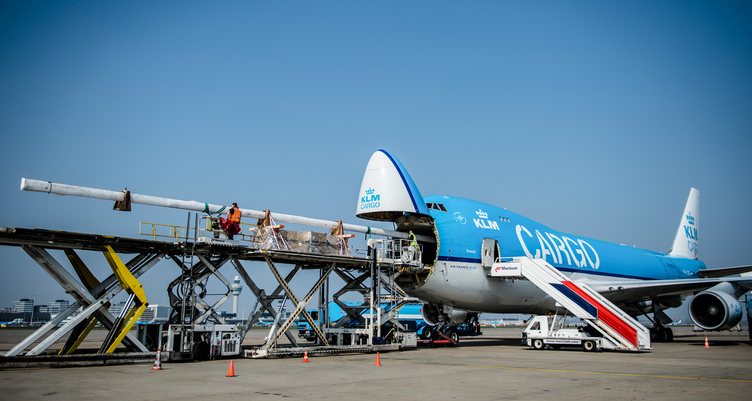 April 09,Dongfeng Race Team mast is loaded in Amsterdam to Sao Paulo. KLM Cargo