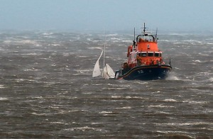 Tynemouth RNLI lifeboat with the stricken dinghy