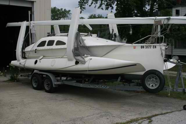 1995 F25C Tri – Sylvania – OH – USA – MultiHulls | XS Sailing